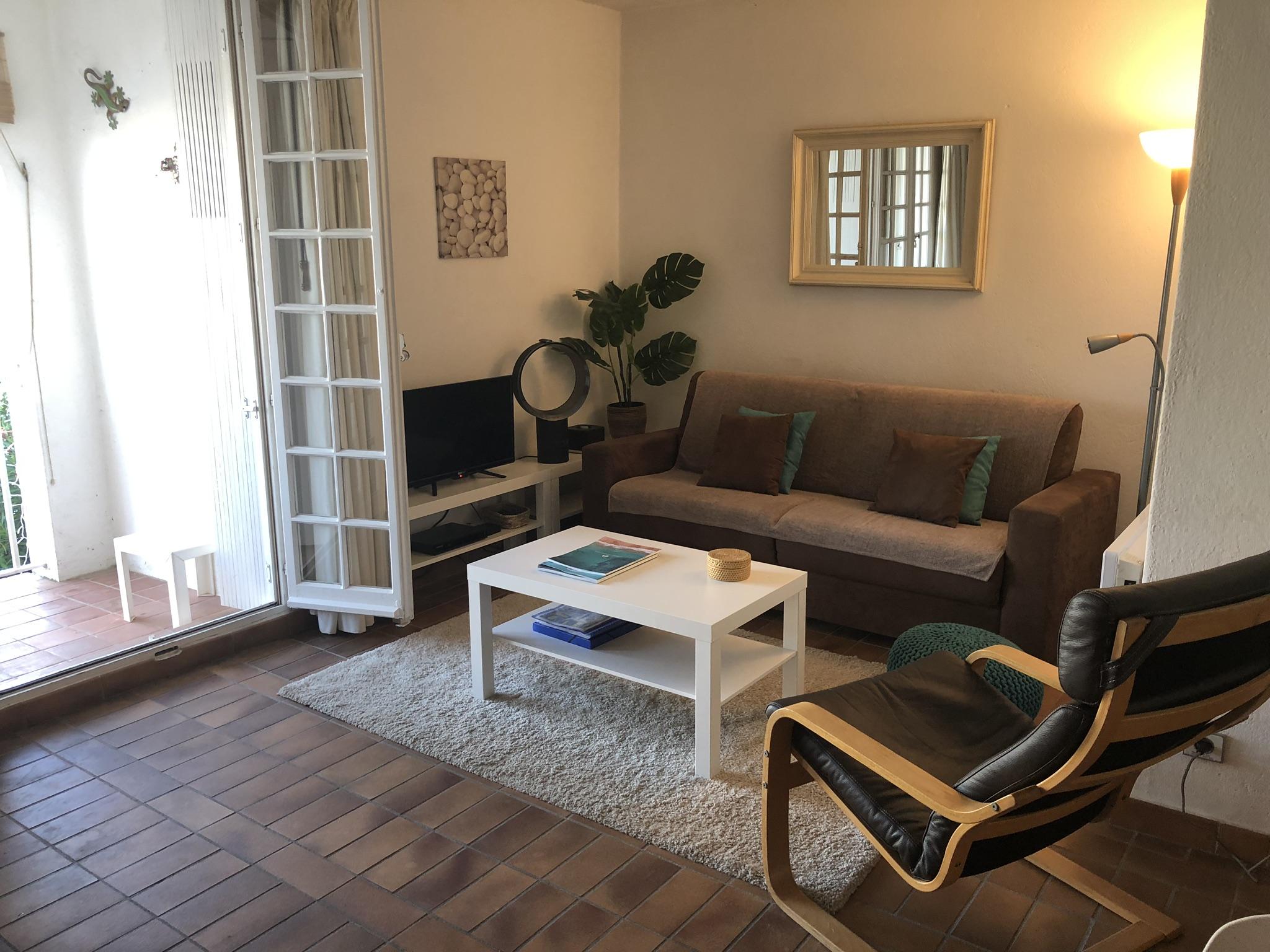 Living Area 3.JPEG