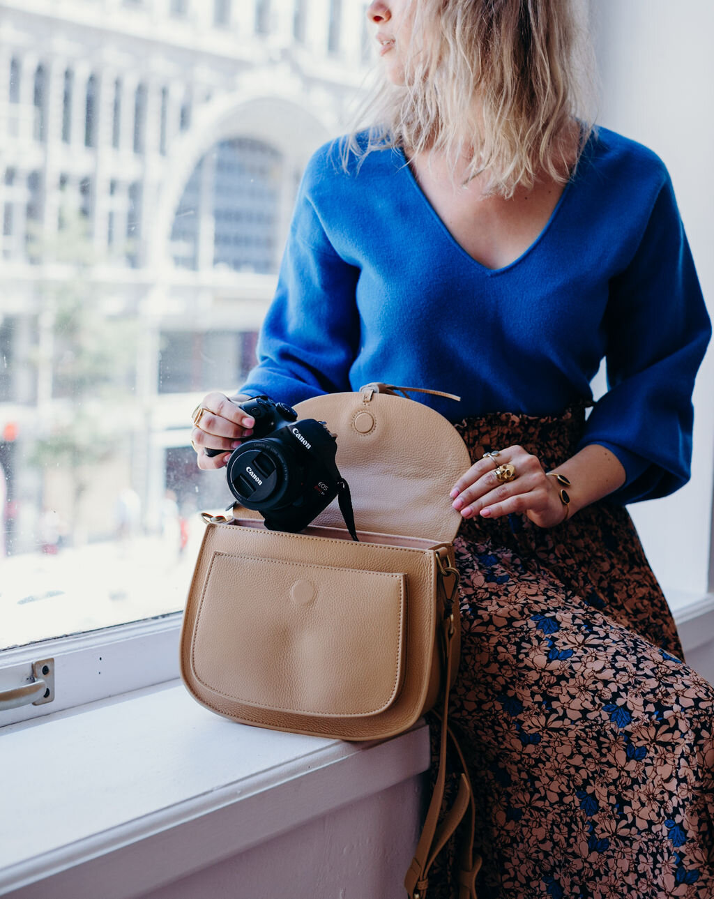 best women camera bag for traveling