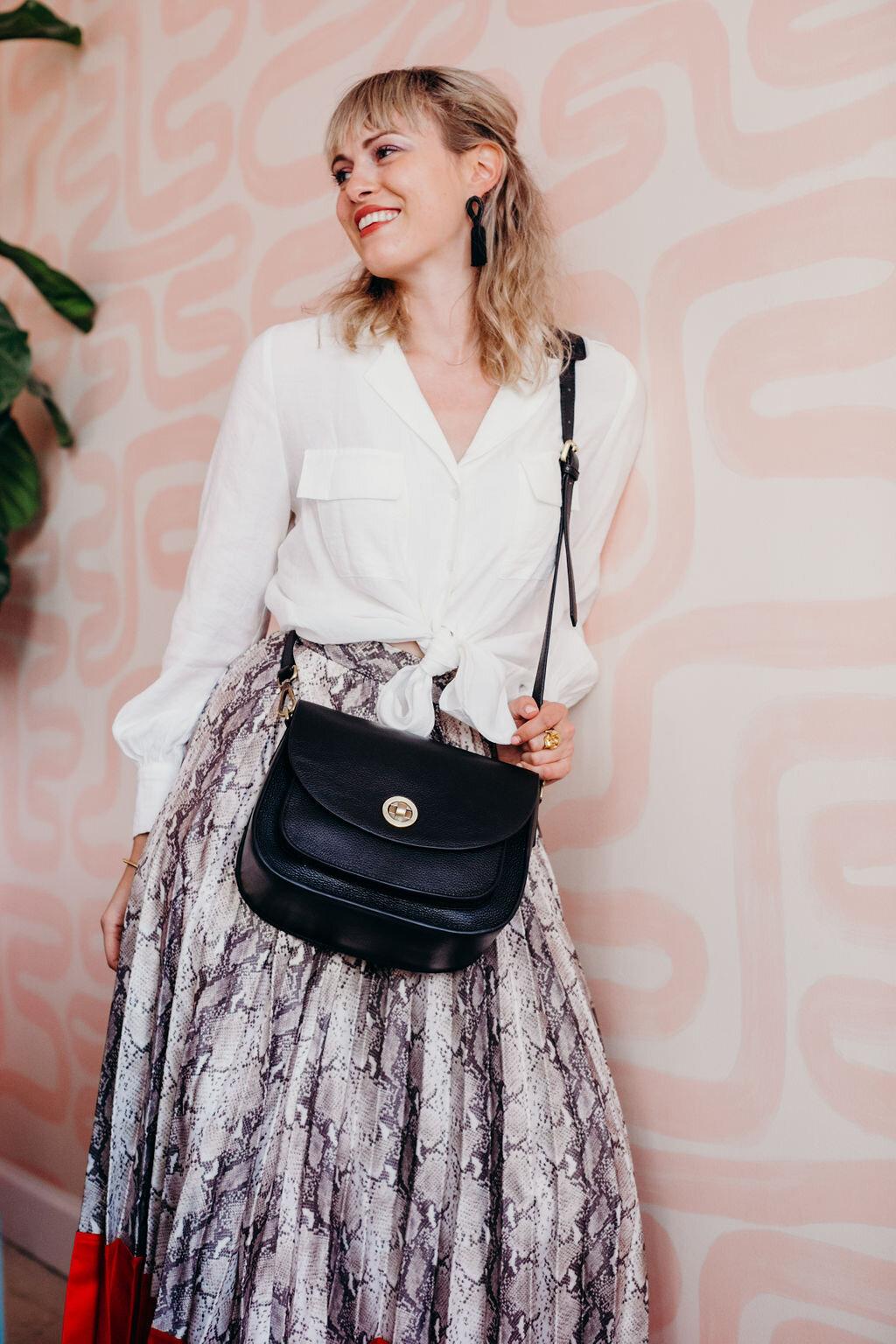 stylish mirrorless camera bag for women
