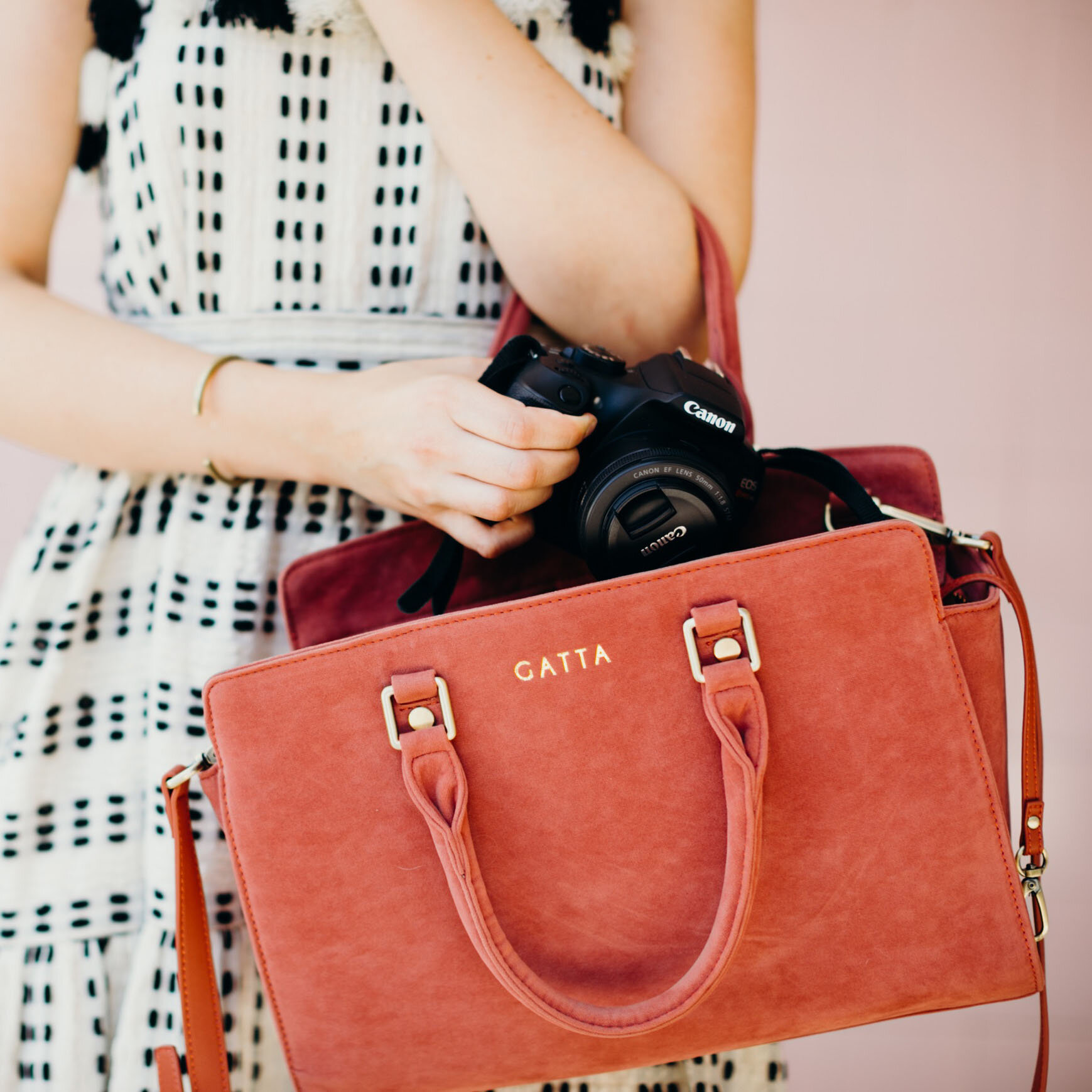 stylish camera handbag for women