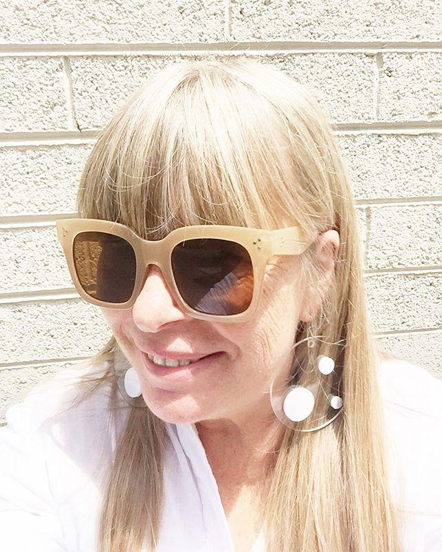"""""""Float"""" on.....#summer #earrings @shopforthepeople #white #sterling #acrylic #earringsoftheday #shopforthepeople #modernjewelry #modernjewellery #artjewelry"""