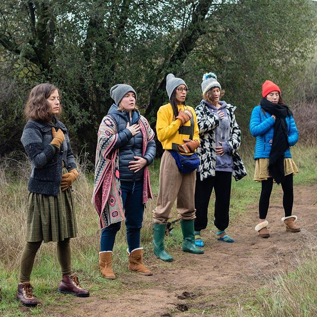 Pausing on the path for 15 minutes of breath work lead by 2018 apprentice @breathofblake  #imbolc #sistersonajourney #livingthewheeloftheyear #greenmagic #farmtotemple #becomethemedicine