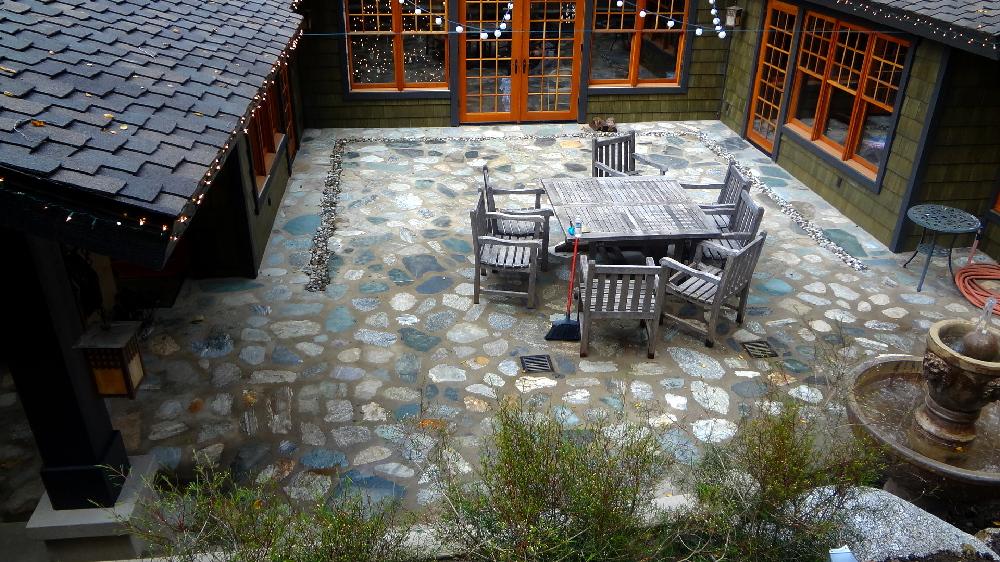 Corser stone floor