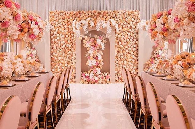 Floral design, styling and concept @johnemmanuelfloralevents | Presented by @matthewlandersacademy | Media Partner @weddedwonderland |  Flower sponsors @wafex_australia @royalflowersgroup @byfodflowers | Sundries, vaseware, candle ware, centrepieces @kochandco | Venue @crownresorts | Guest speakers @dianekhouryweddingsandevents @matthewlanders | Chairs, cutlery, charger plates/glasses candle ware @eventartillery | Custom dance floor @perthdancefloors |  Chandeliers @posh.props | Cake @delarosacakes | Photography @shotbythom | AV, draping @avpartners  Suit @alexgoodman | Luxury linen @harboursidedecorators | Hair make up @akmakeupartistry_ @perth.fashion.blogger  #johnemmanuel  #jeperth #johnemmanuelfloralevents #jeluxuryweddingmasterclass #wedding #masterclass #weddingmasterclass #weddedwonderland