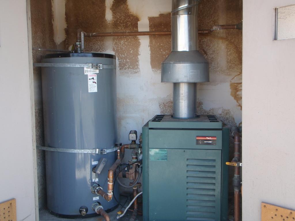 0boiler and storage tank (1024x768).jpg
