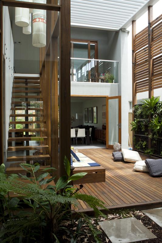 courtyard1.jpg