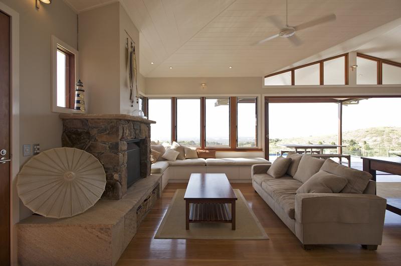 inside living room 3.jpg