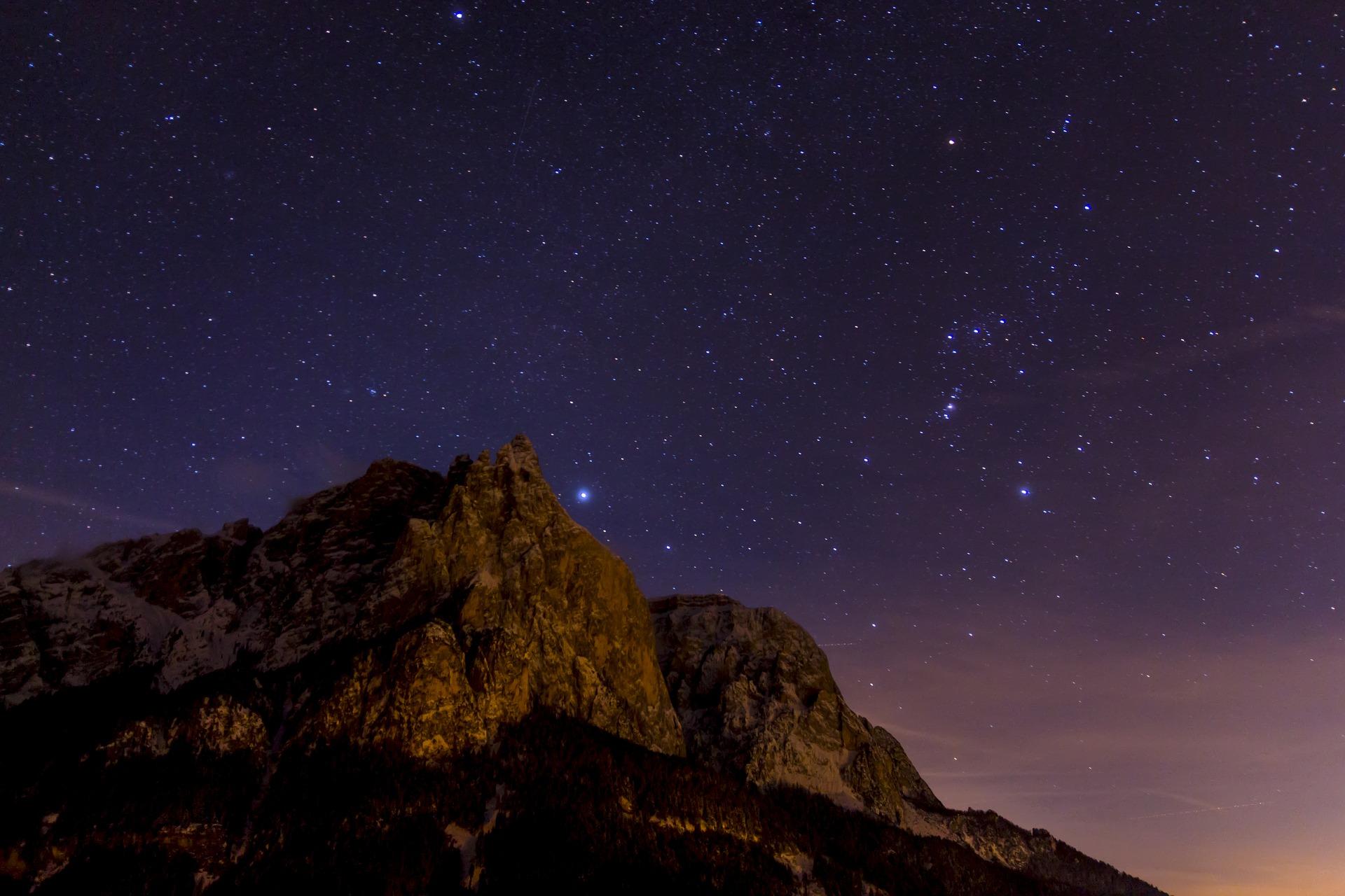 night-photograph-3210889_1920.jpg