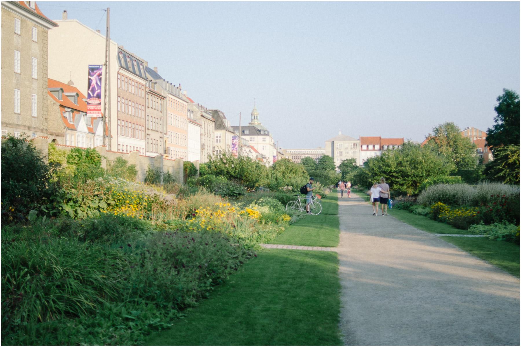 Rosenborg-Castle-and-The-Kings-Gardens_1.jpg