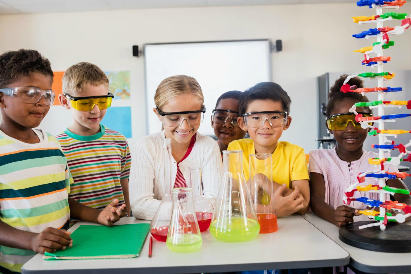 VISION   A community where the educational system and private enterprise prepare their students to shape the scientific advances and foster the artistic renaissance of the 21st century.