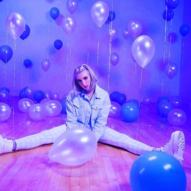 "Elli Moore debut with fantastic single ""Gateway"" #debutsingle #ellimoore #music #gateway #vibe"