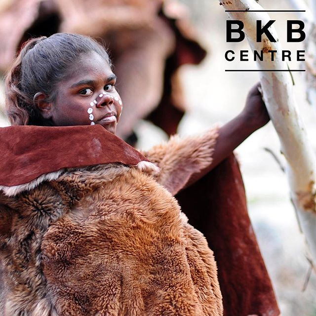 The skins of kangaroo were made into bwoka (cloaks), which were slung over the shoulders and fastened at the front. . #BilyaKoortBoodja  #NyoongarCulture  #Environmental  #BKBCentre  #Northam .  Our new website has launched. Link in the bio