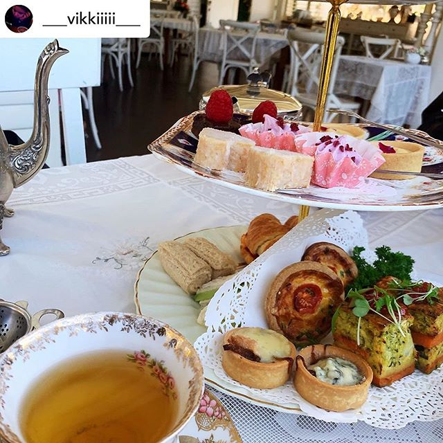 We ❤️ our customers! High tea seatings still available this Father's Day weekend, call us on 5533 9889 to reserve your table. 🧁 . .  Posted @withrepost • @___vikkiiiii___ ☕️ Hightea👭 Absolutely amazing view and the food as well, great atmosphere 🌿 • • • 📍Teavine House
