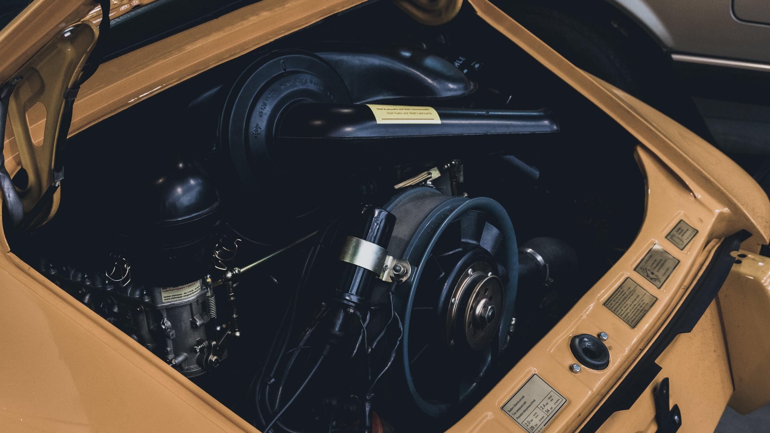 Porsche+Y1.jpg