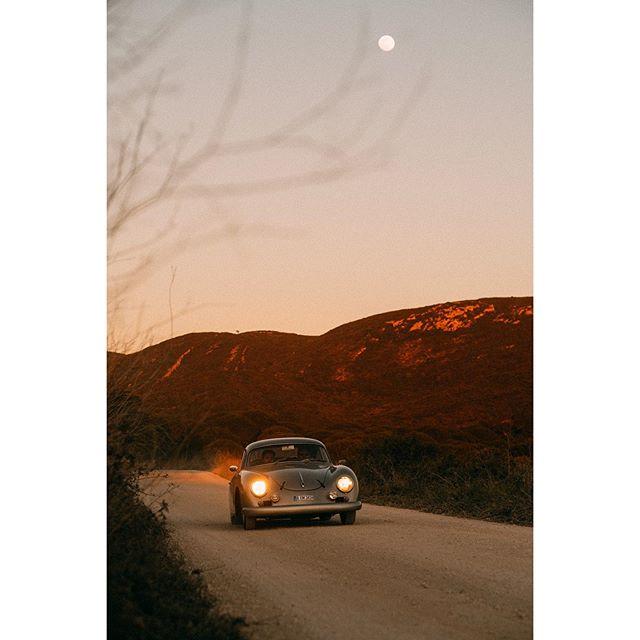 Back to golden days. . . Amazing shoot by @vinceperraud . . #sunset #porsche356 #customporsches #timelessgarage #getoutanddrive #luftgekühlt#sportscarstogether #lifestyle #classiccar