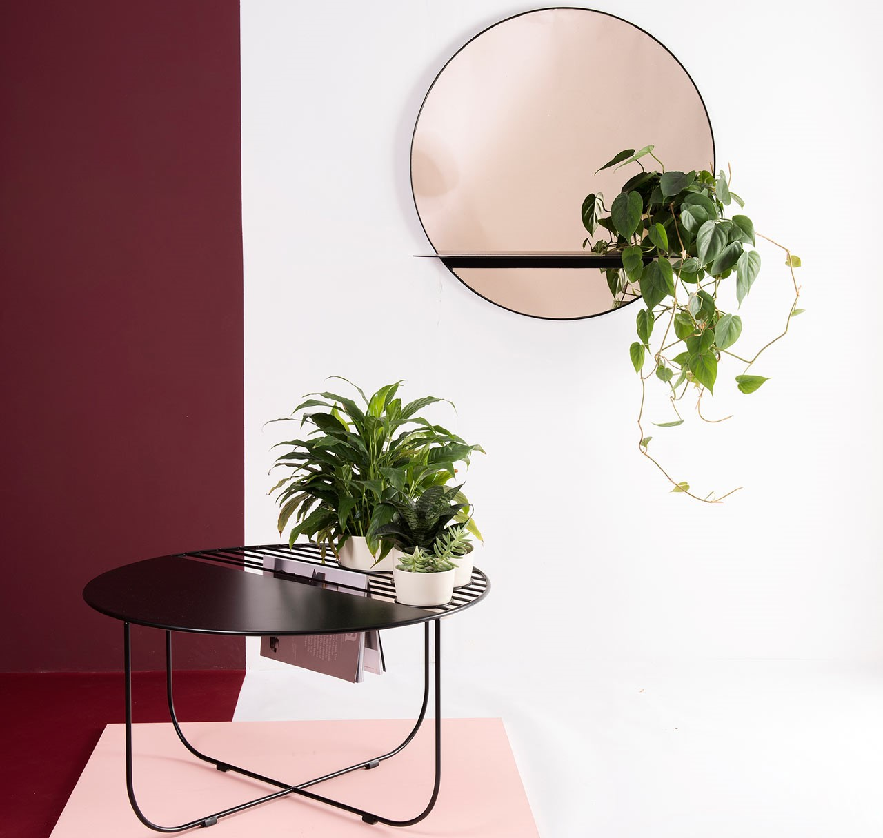 Bujnie – Black Ovio Coffee Table e Adorned Mirror