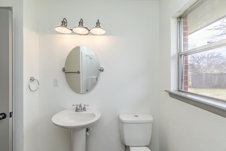 27 Hall Bath.jpg