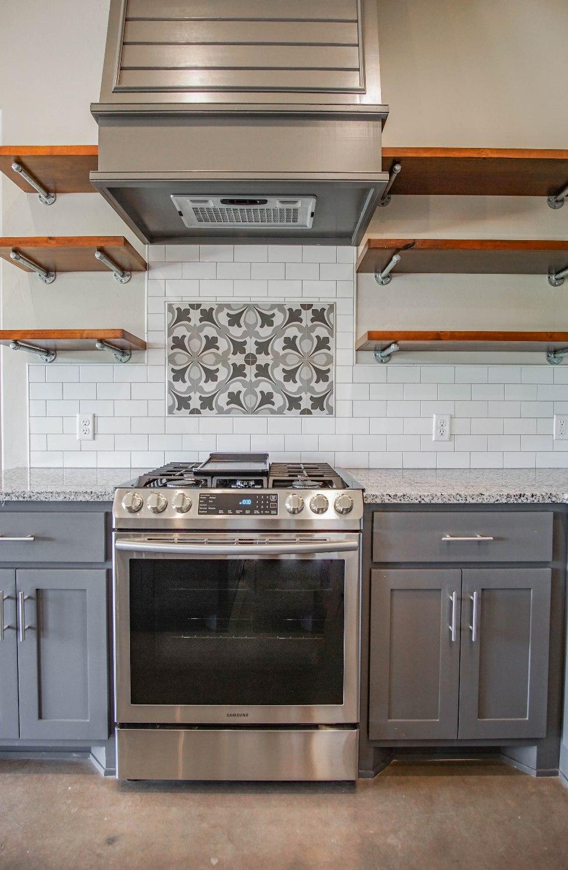 22 Kitchen.jpg