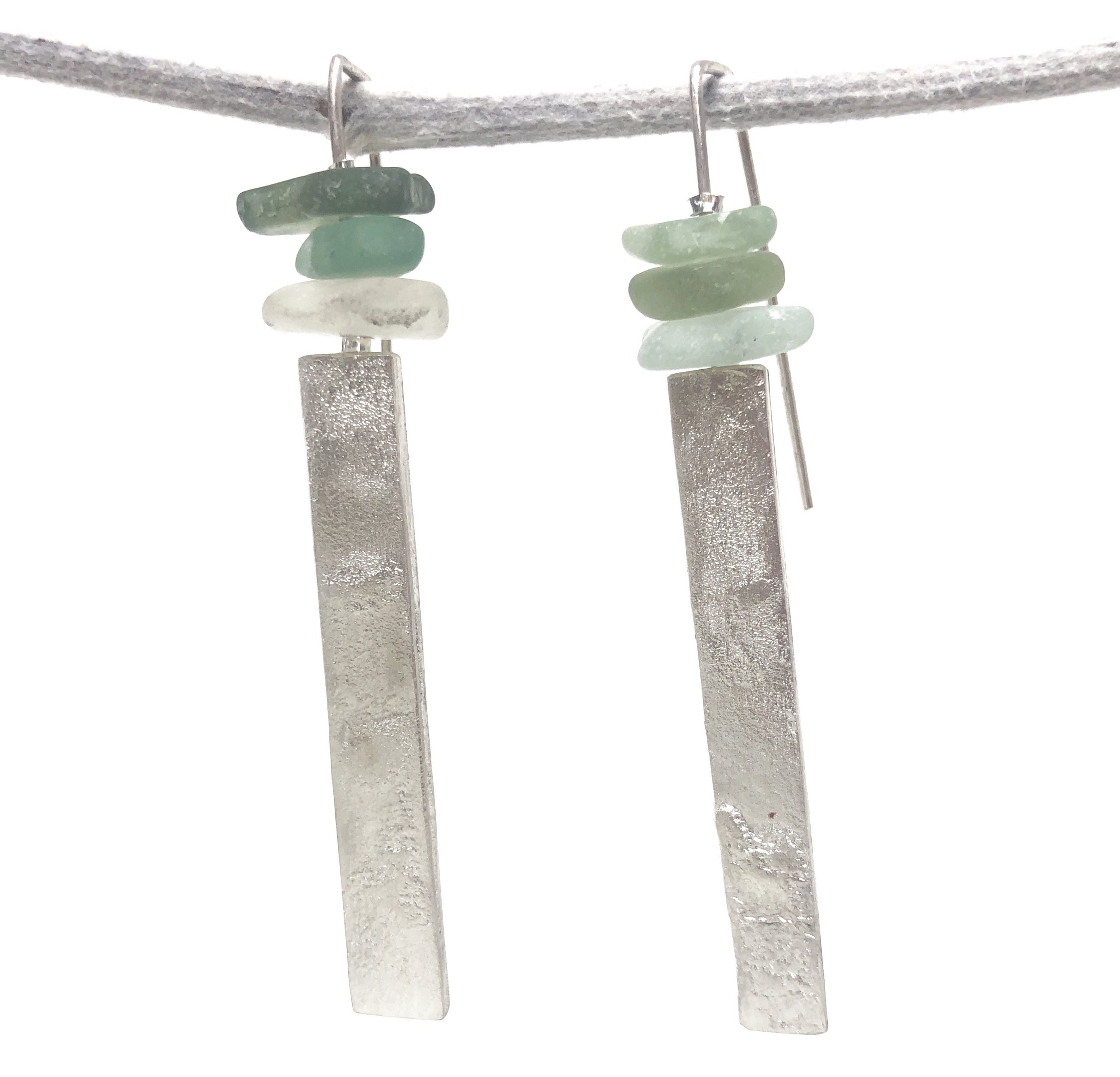 dangling seaglass earrings - • stunning long dangling earringssged2• sterling silver reticulated feature and• genuine green sea glass from France• sged2100 Euro