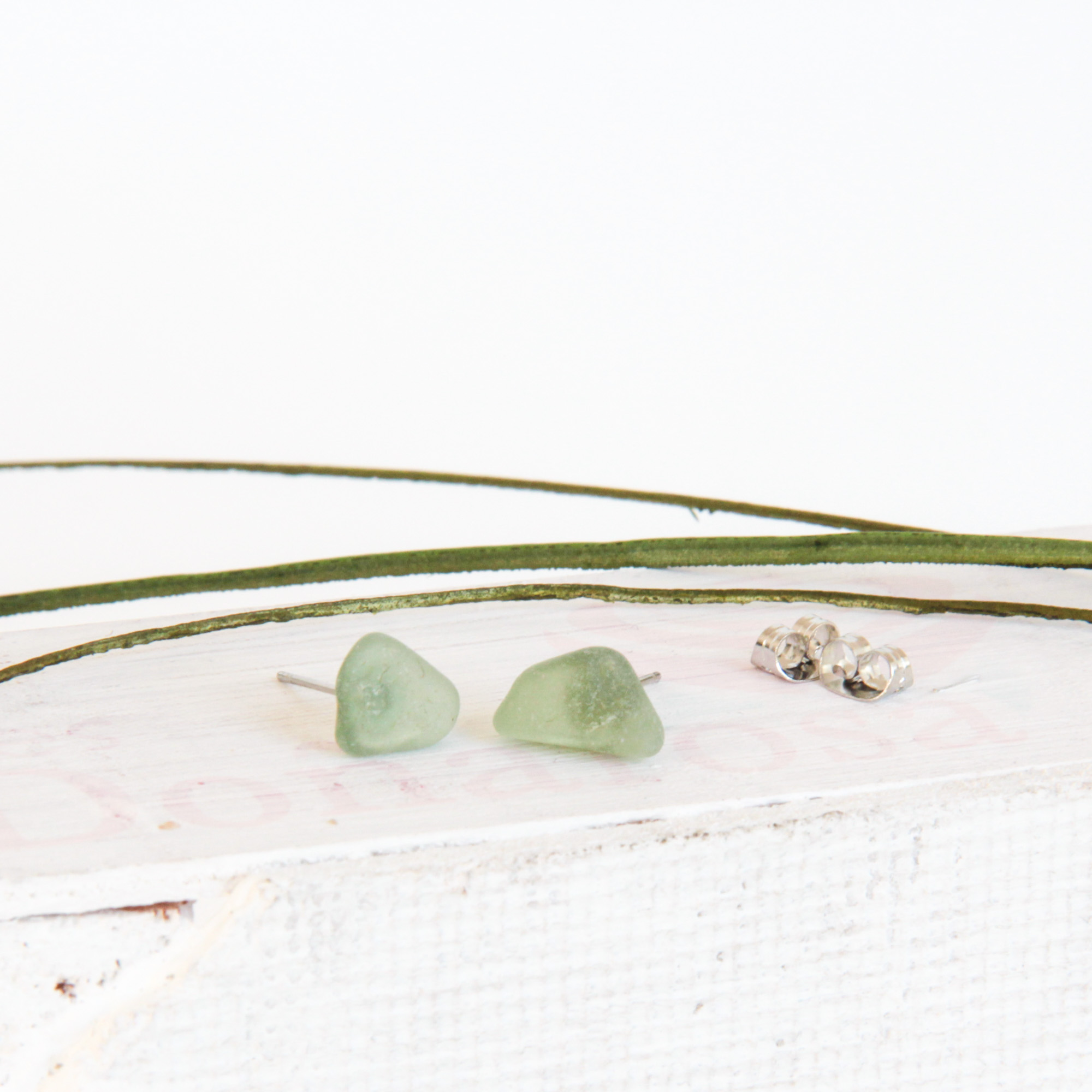 green sea glass studs - • genuine sea glass jewellery from France• handcollected• stainless steel posts• SGES515 Euro
