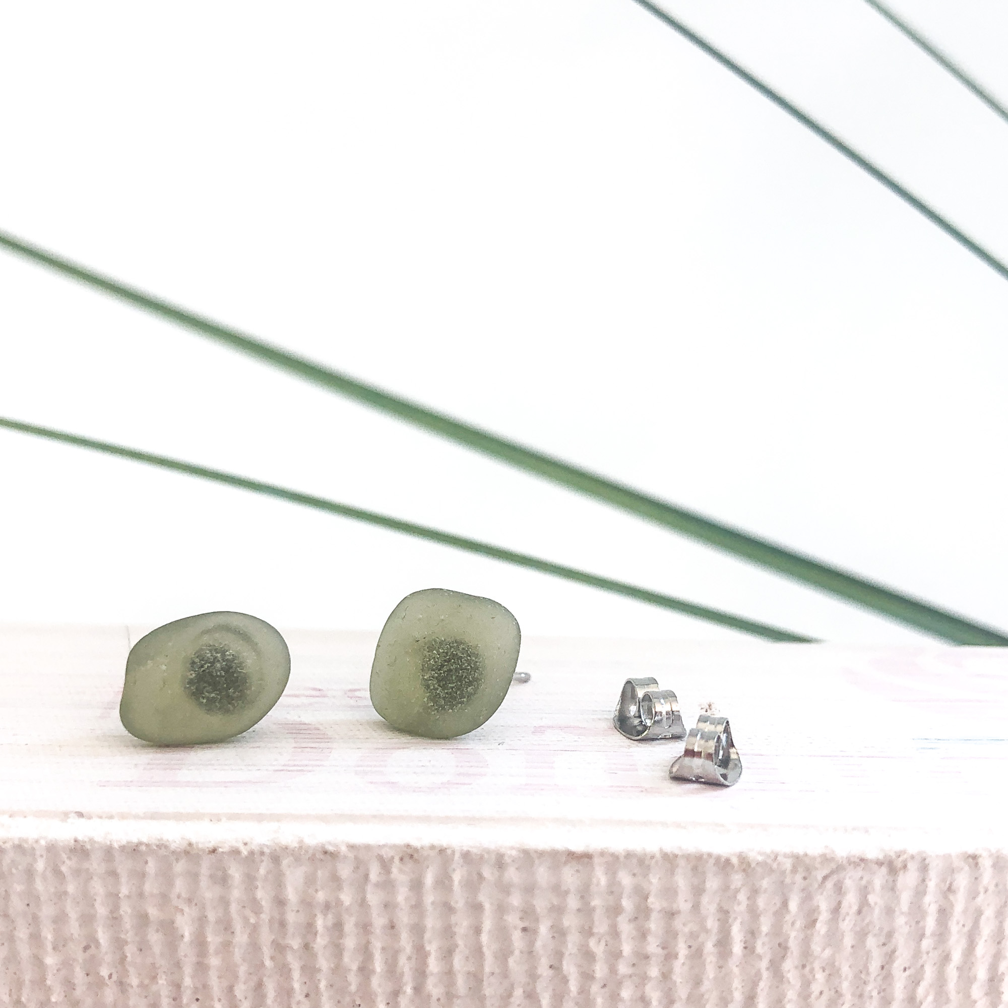 green sea glass studs - • genuine sea glass jewellery from France• handcollected at the French riviera• stainless steel posts• SGES1.115 Euro