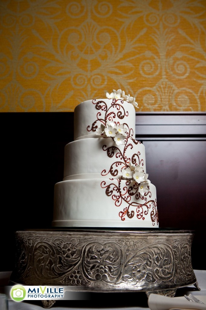The wedding cake from Martine at House of Clarendon.