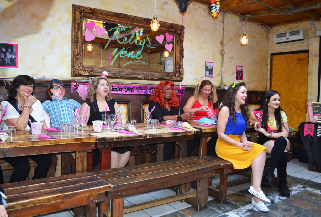 GUANABANA-HEN-PARTY.jpg