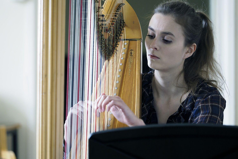 Imogen Ridge - Harp