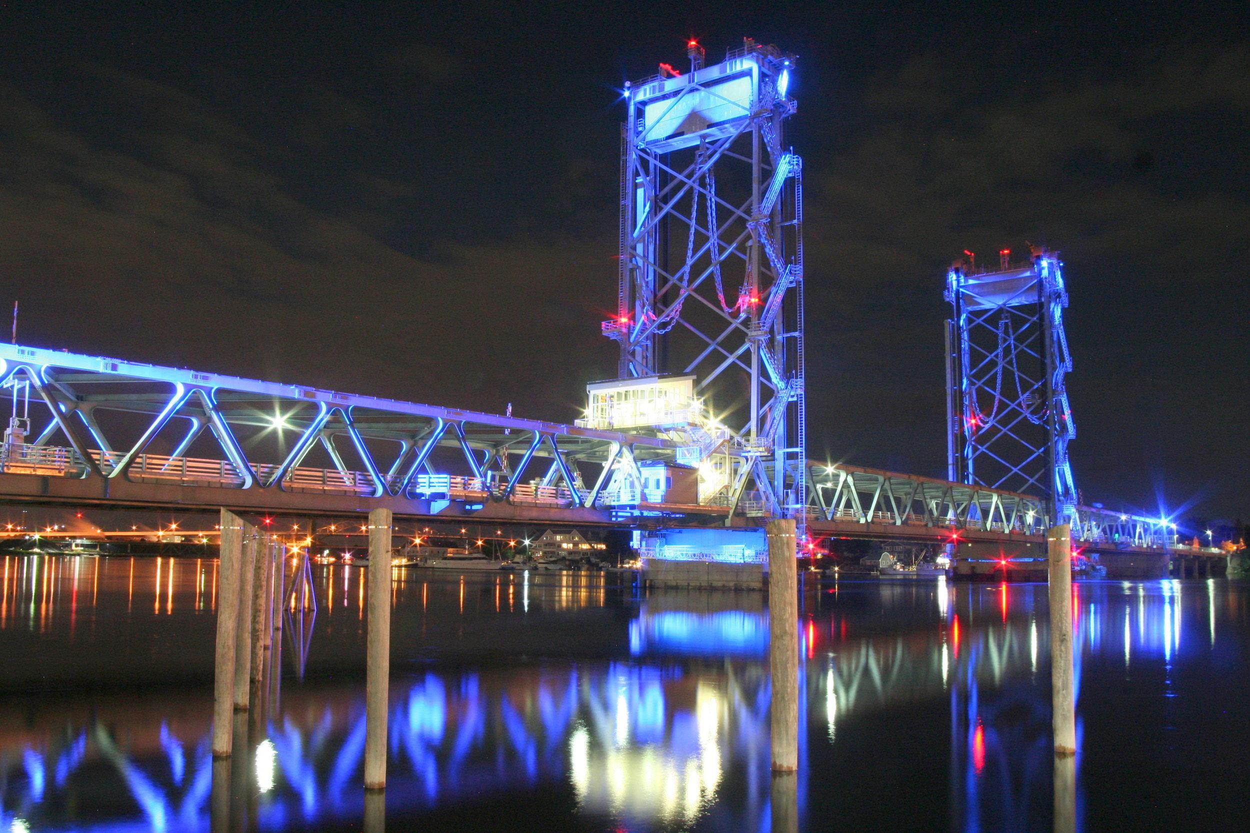 Memorial bridge Blue.jpg