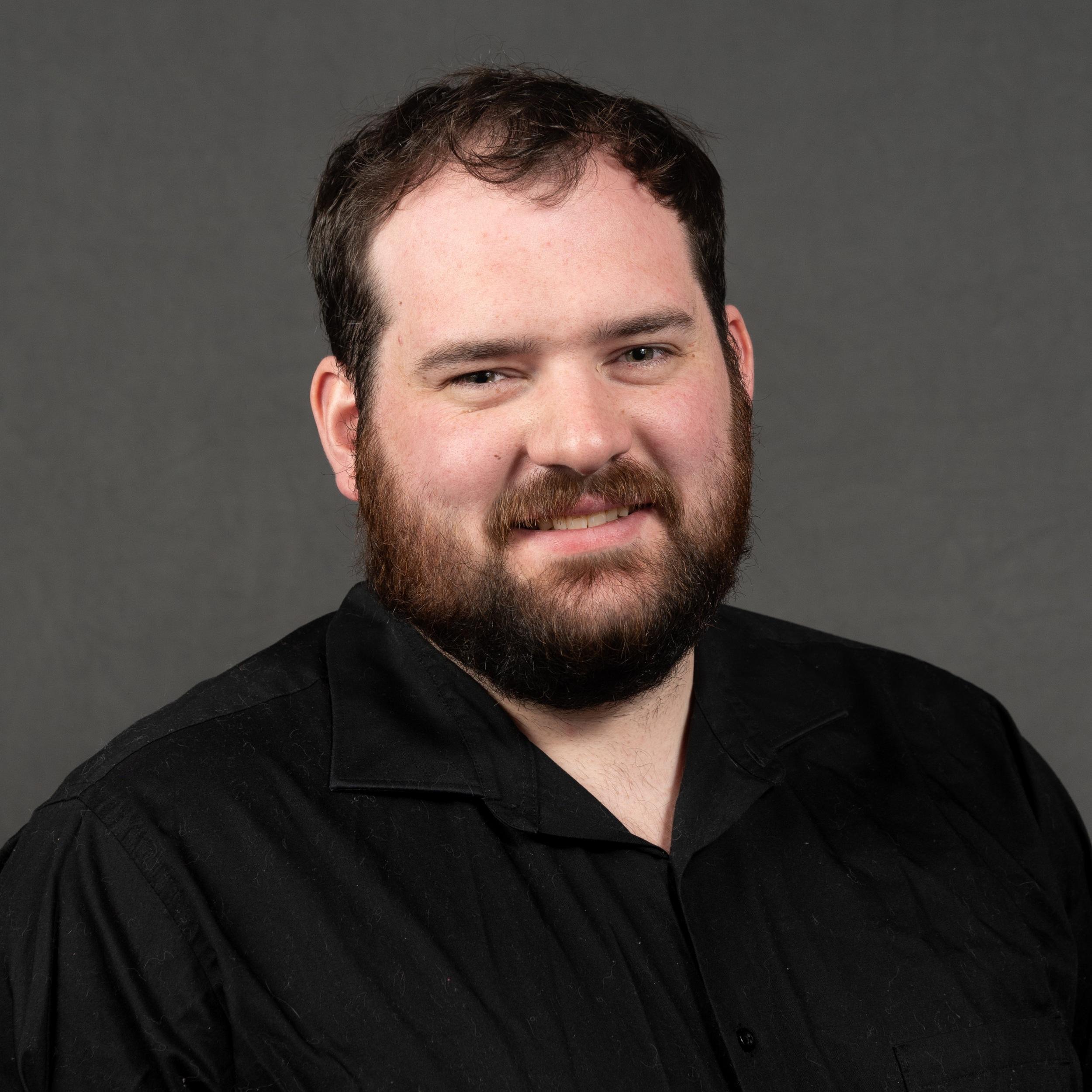 """<b>Graham Edmondson</b><br>Lighting Designer & Project Manager<br><a href=""""grahamedmondson-contact"""">Email</a>"""