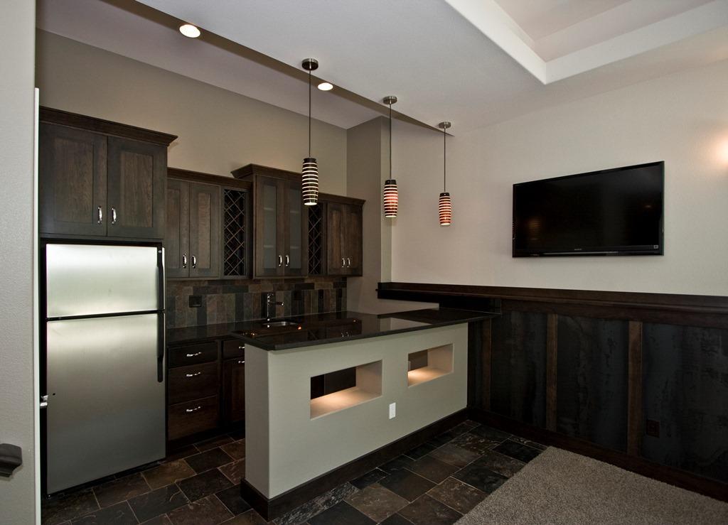 2920 Rec Room Bar.jpg