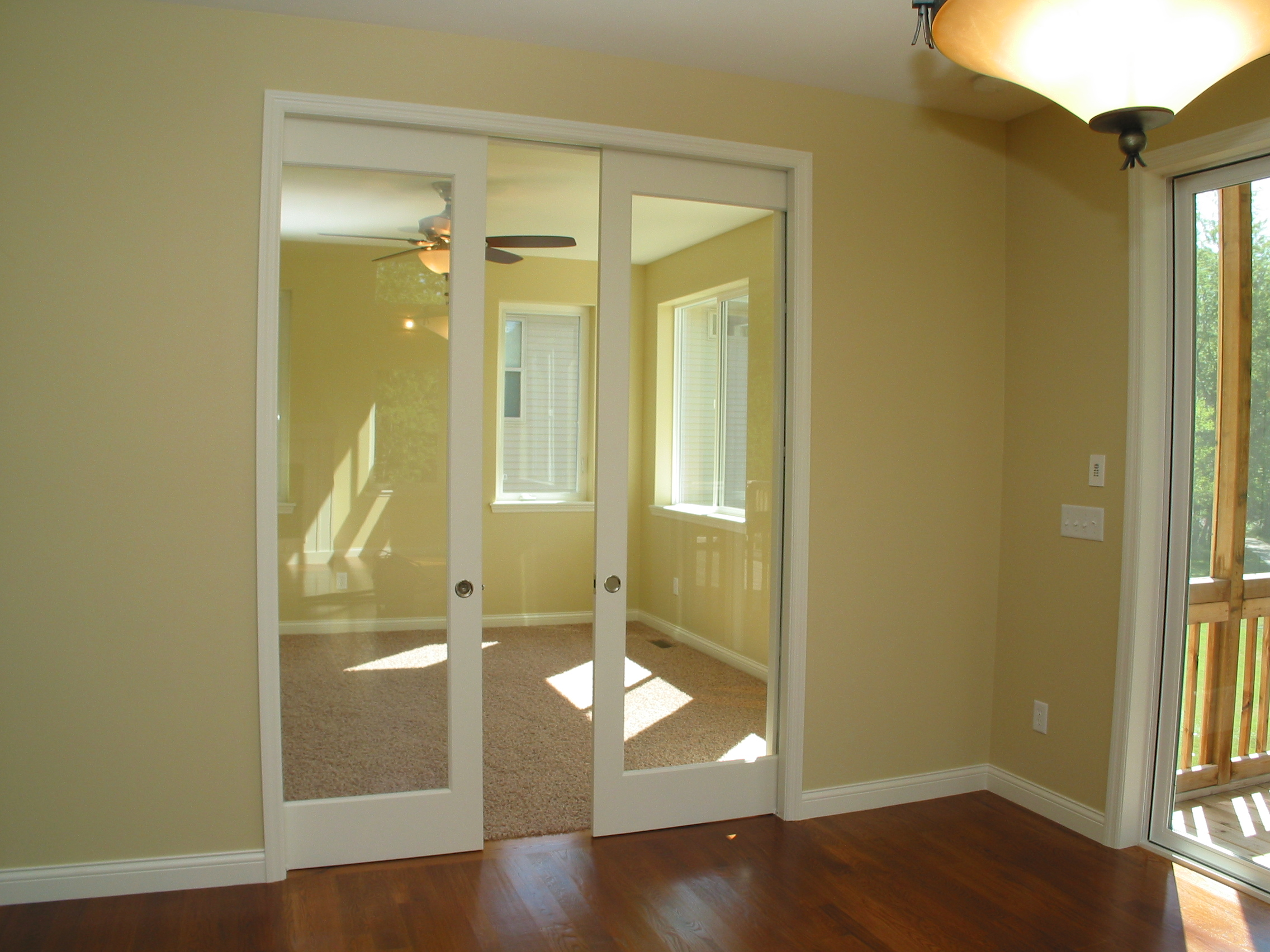 4 8' Glass Pocket Doors to Sun Room.JPG