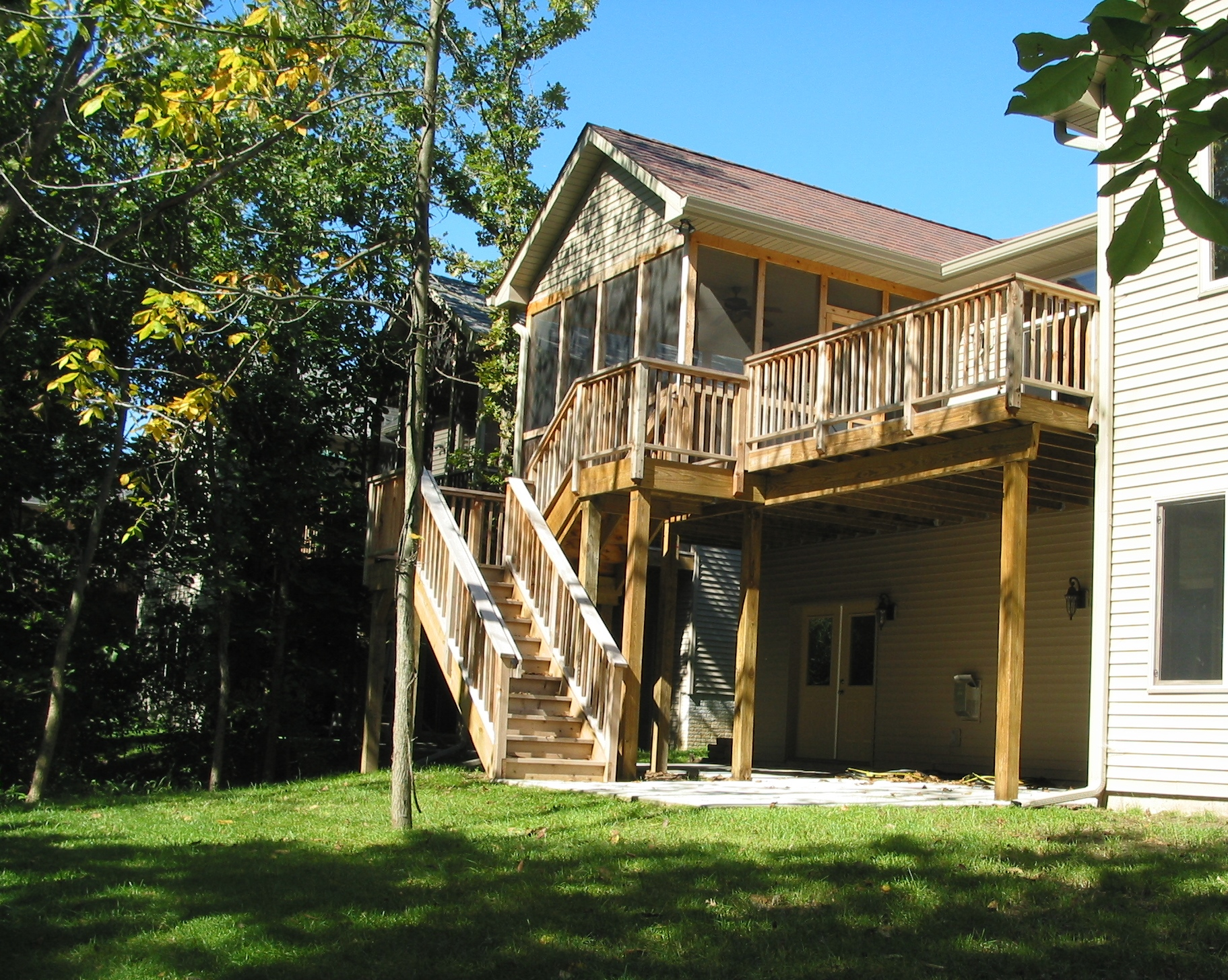 16 Screen Porch, Deck and Stairs.JPG