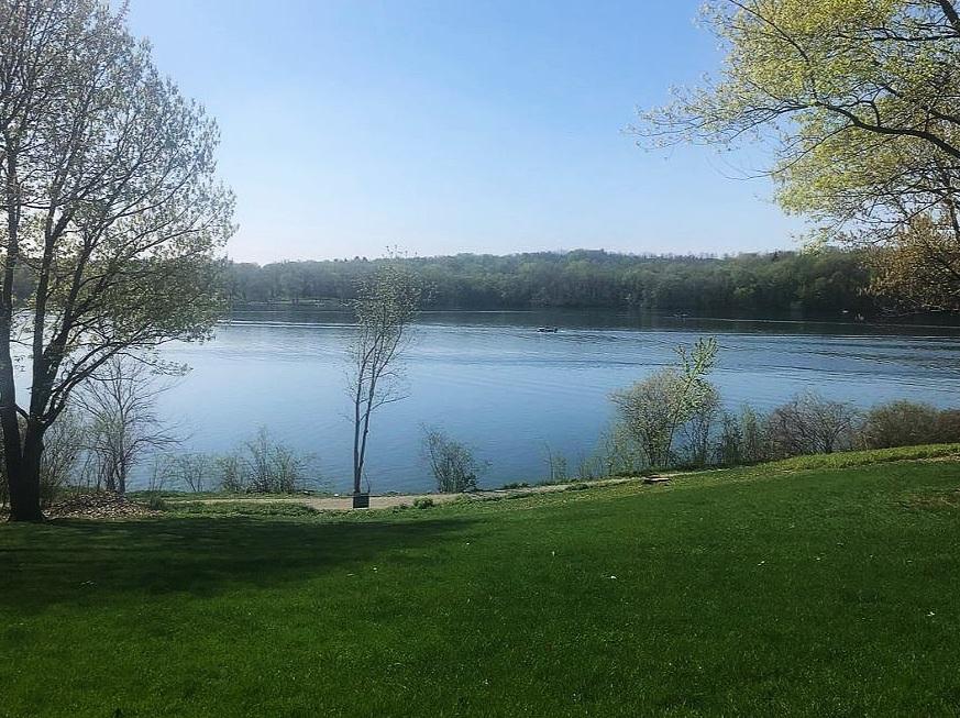 Lot+4+Lake+View.jpg