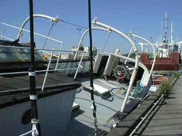 Das Achterdeck des Feuerschiffes XII. Das gesamte Oberdeck wurde mit Polyester überzogen, damit es wasserdicht wurde.