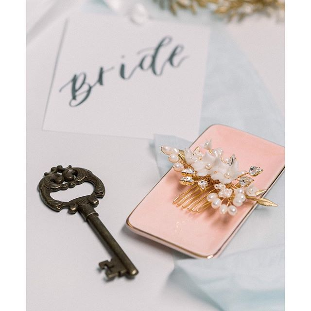 The prettiest details. Bridal comb @blairnadeaubridal & calligraphy @pinyaletters I'm terribly happy to say this pretty romantic poetic wedding style shoot is online @todaysbridemag vendors Planning & Direction @wreathandrosephotography.  Planning @events_by_sarah_megan Bridal accessories @blairnadeaubridal  Dress @faithfulraiment @maureenpatriciabridal Floral design @lenasfloraldesigns  Calligraphy @pinyaletters  Decor rental@cre8ive_studios  HMUA @shawnnadowning  model @tmartyni  #styleblogger #weddingflowers #wedding #shesaidyes #weddingphotography #realweddings l #weddingplanning #weddingcake #weddinghair #torontoweddingphotographer #torontophotographer #torontobrides #toronto #nikon #engaged #weddingphotography ##naturallightphotography #weddingdress #bohowedding #torontowedding #torontoweddingphotographer #bride #brightandairy #weddingcake #nikoncanada #nikond750