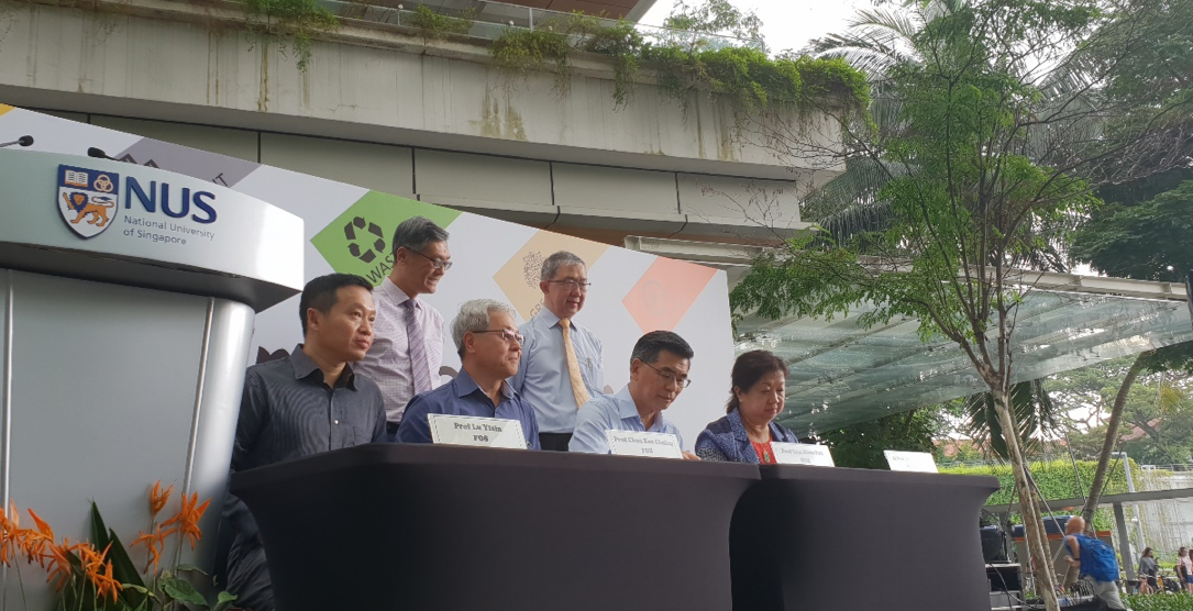 NUS president and deans of science sign an agreement to improve the sustainability of their respective faculties.