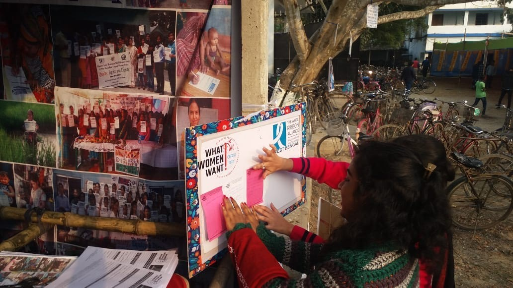 Mobilization_India_pink pads at booth.jpg