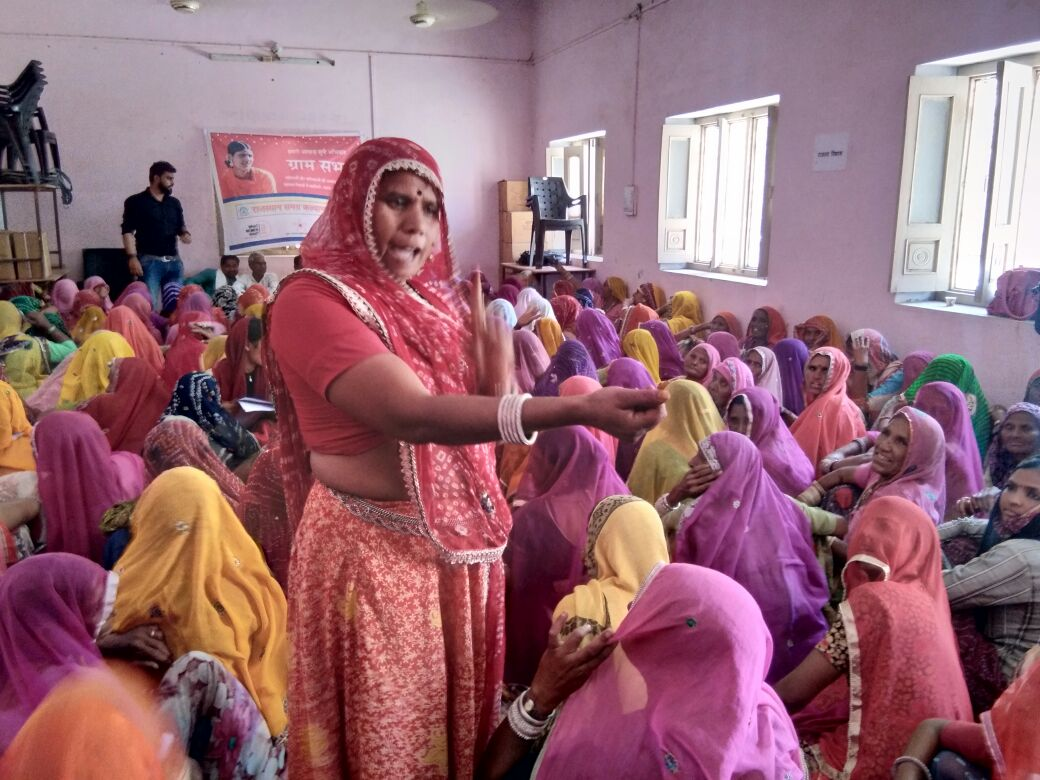 Mobilization_India_woman speaking in group.jpg
