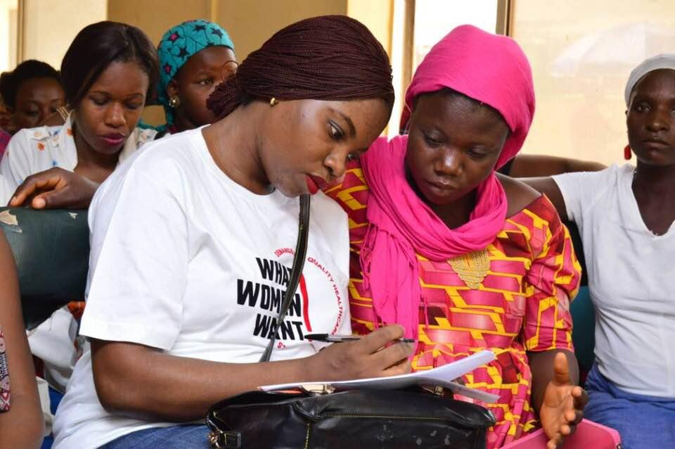 Mobilization_Nigeria_WRA Nigeria_Helping.jpg