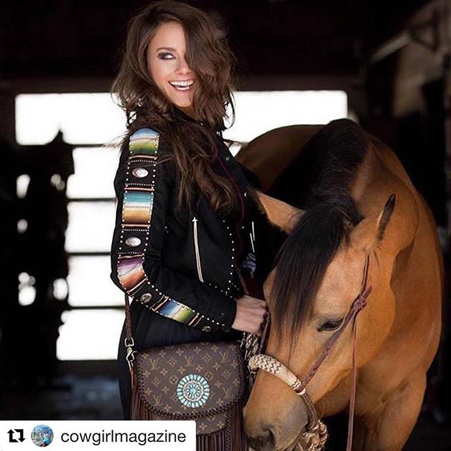 Love it when our C.M. Collaborative shoot featuring top brands gets creatures in @cowgirlmagazine  #Repost @cowgirlmagazine with @get_repost ・・・ There's never a reason not to smile...especially when you're rocking a #purse as beautiful as this one by @vintagebohobags! Jacket by @rockinbclothing. #iamcowgirl #cowgirlmagazine #cowgirlstyle