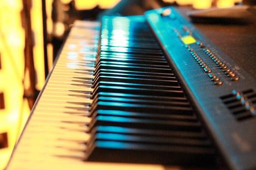 digital keyboard-777933__340.jpg