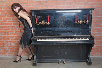 moving piano 9.jpg