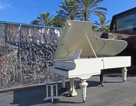 a-short-history-of-the-piano.jpg