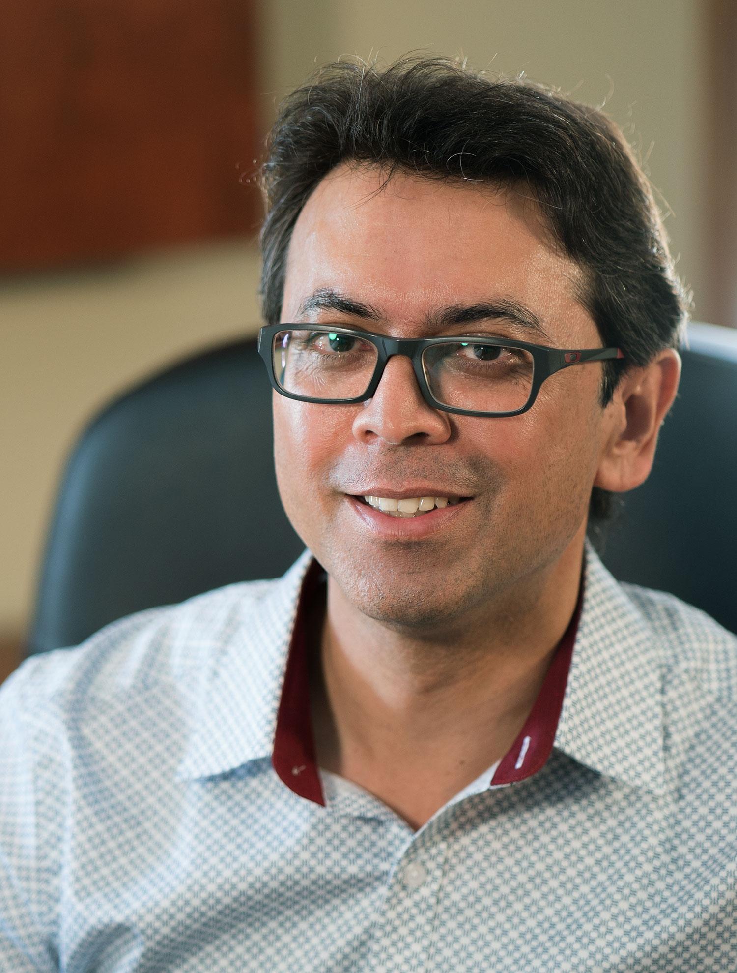 Dr. Muti Kauchali