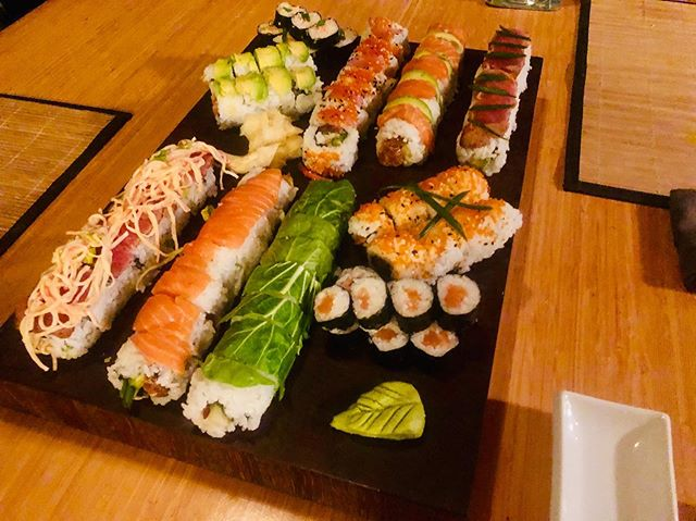 Our amazing sushi is now only available via our catering service (or if you live with the chef). #sushi #stjohn #catering #cheflife  #chefsofinstagram  #restaurantlifenomore #dinnerwithbae  #virginislandsnice🇻🇮 #sushbra #privateeventspace  #viluckychopsdining  #stjohncatering  #seafooddiet  #foodnow  #wishyouwerehere  #eatme