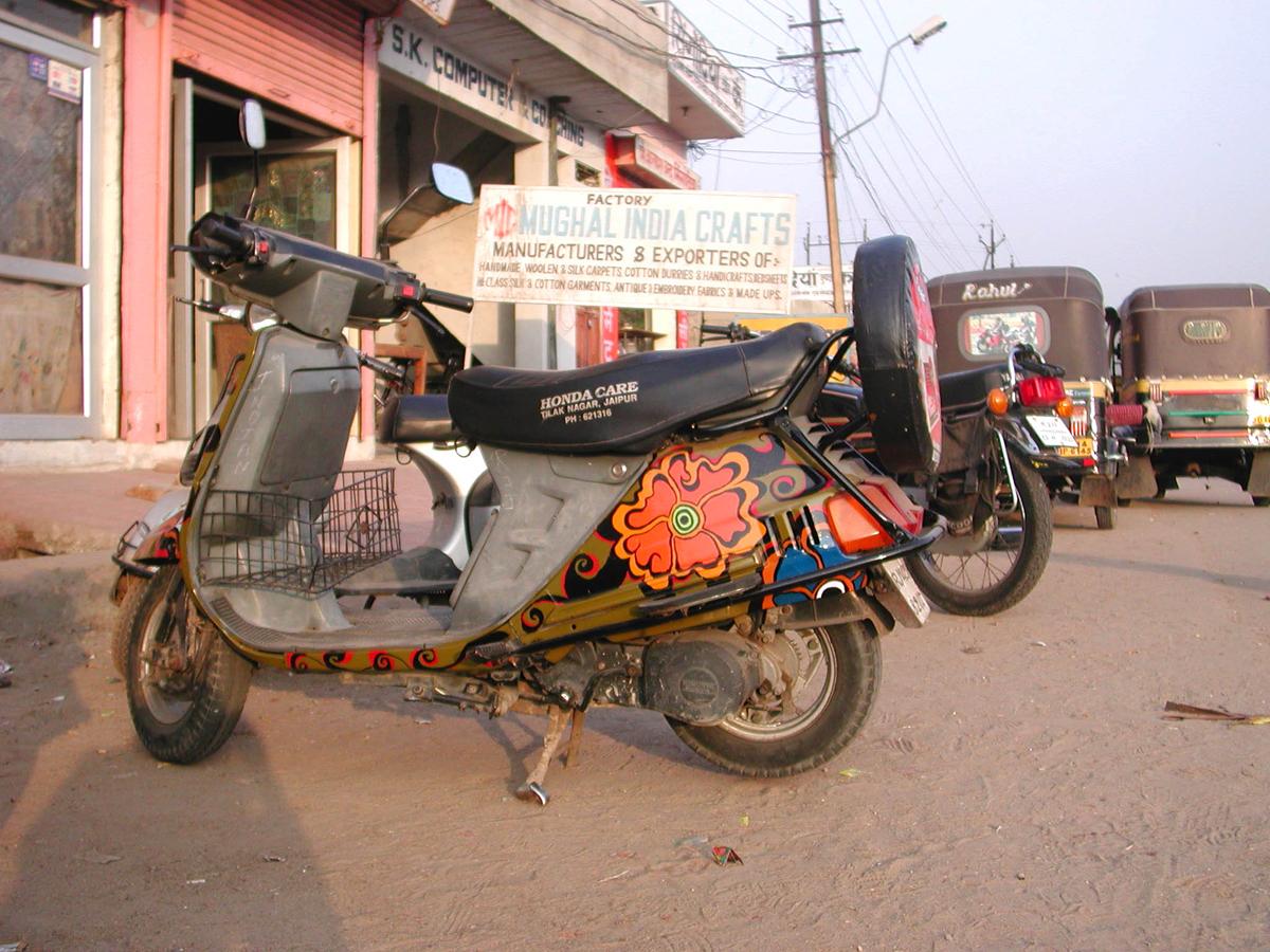 MeganWilson_Bikes_JaipurIndia_2.jpg