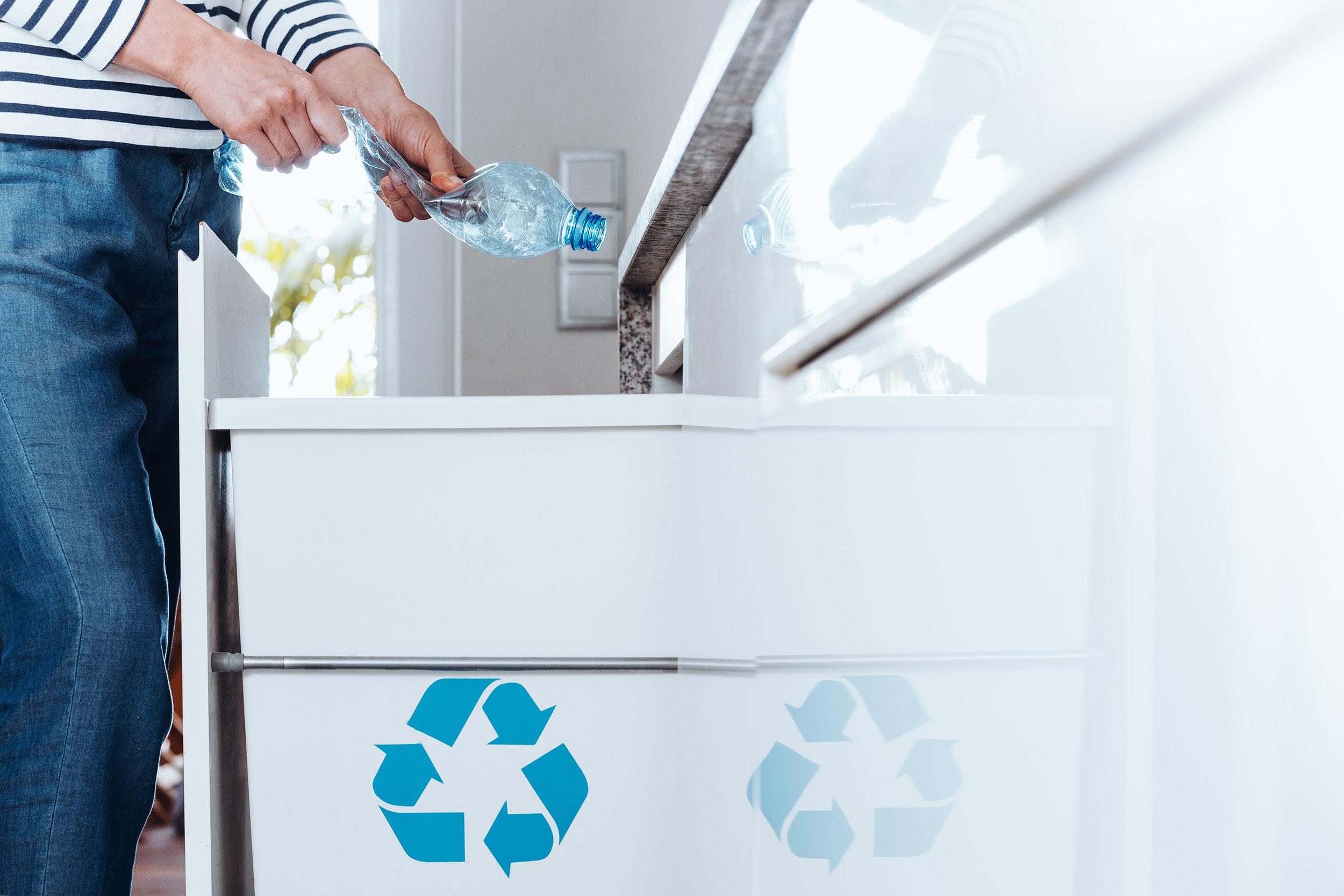 Ved å satse på gjenbruksplast, kan vi gi nytt liv til kasserte produkter og bidra til en sirkulær økonomi. Foto: iStock