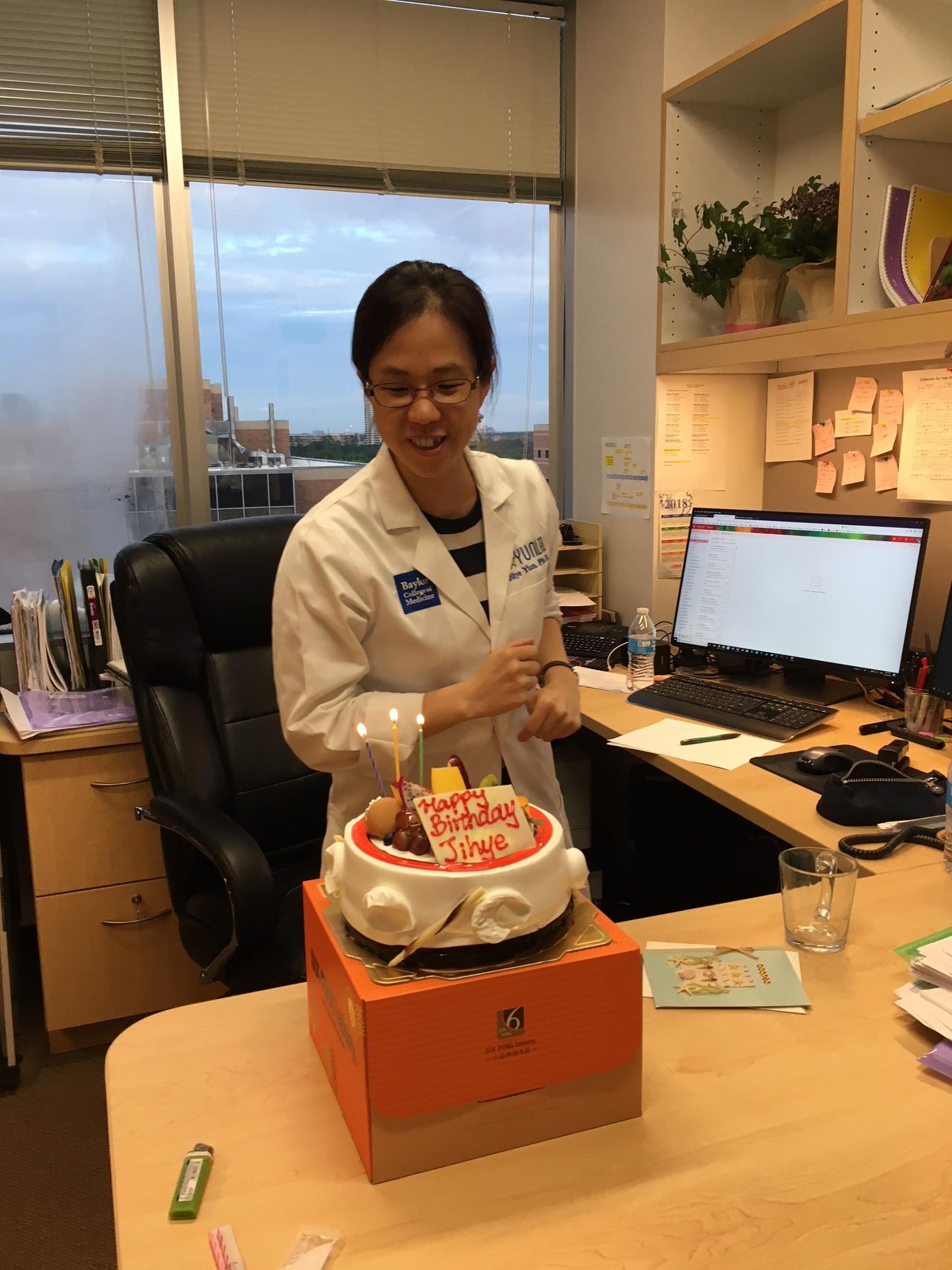 Surprise Jihye with Birthday Cake!  Sep. 2018