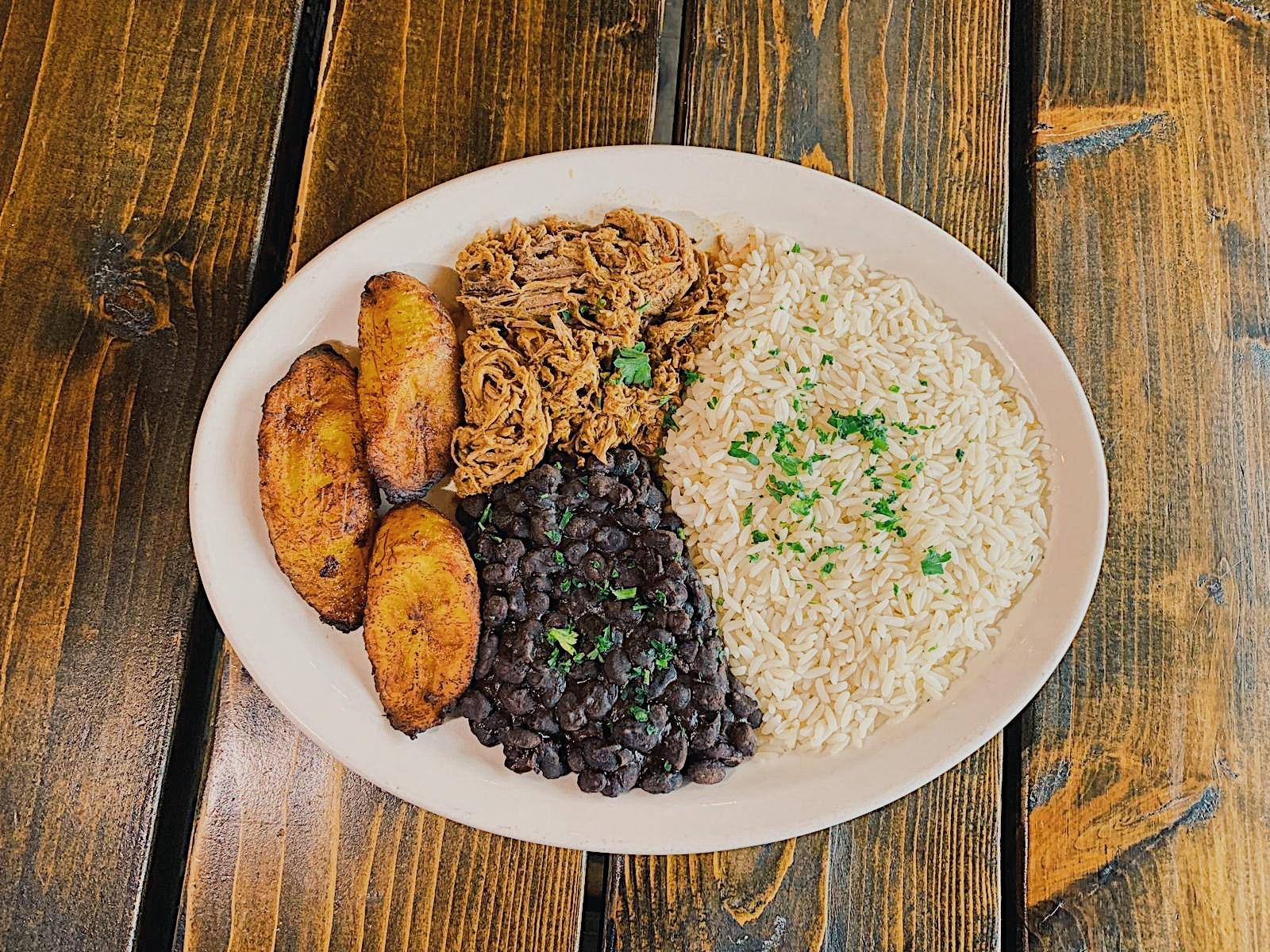 Pabellon Criollo - Venezuelan Traditional Dish!